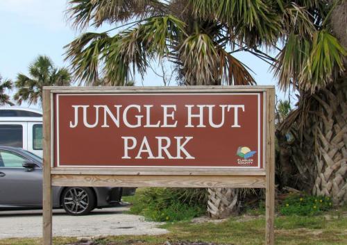Jungle Hut Park 1